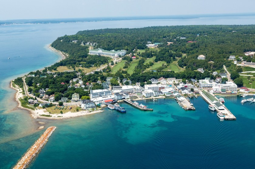 00-lede-mackinac-island-travel-guide